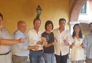Giovanna Prandini brinda con alcuni membri del nuovo Cda